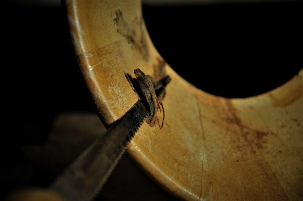 Arasage à la scie ancienne et malgré un coupant ancien aussi cela marche encore (7 photos)