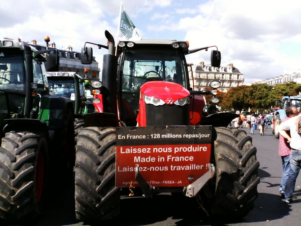 Tracteur Place de la Nation, 3 septembre 2015 (c) Denis Sureau