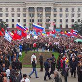 Fawkes News - Plus on est de Fawkes moins ils rient !: Manifestations de grande ampleur dans l'est et le sud de l'Ukraine - Les habitants exigent une référendum
