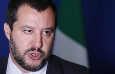 Quand Salvini se moque du pape (Vidéos)