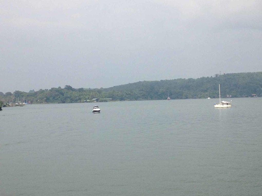 De l'autre côté du fleuve : Ram Marina - Bucaneros; Carburant Eau Gaz et shipchandler