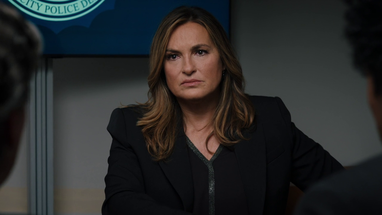 Law & Order: SVU / Law & Order: Organized Crime Cross-over : Family Business