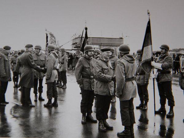 Archivfotos D.G.: Feierliches Gelöbnis von Wehrpflichtigen und Standortbiwak