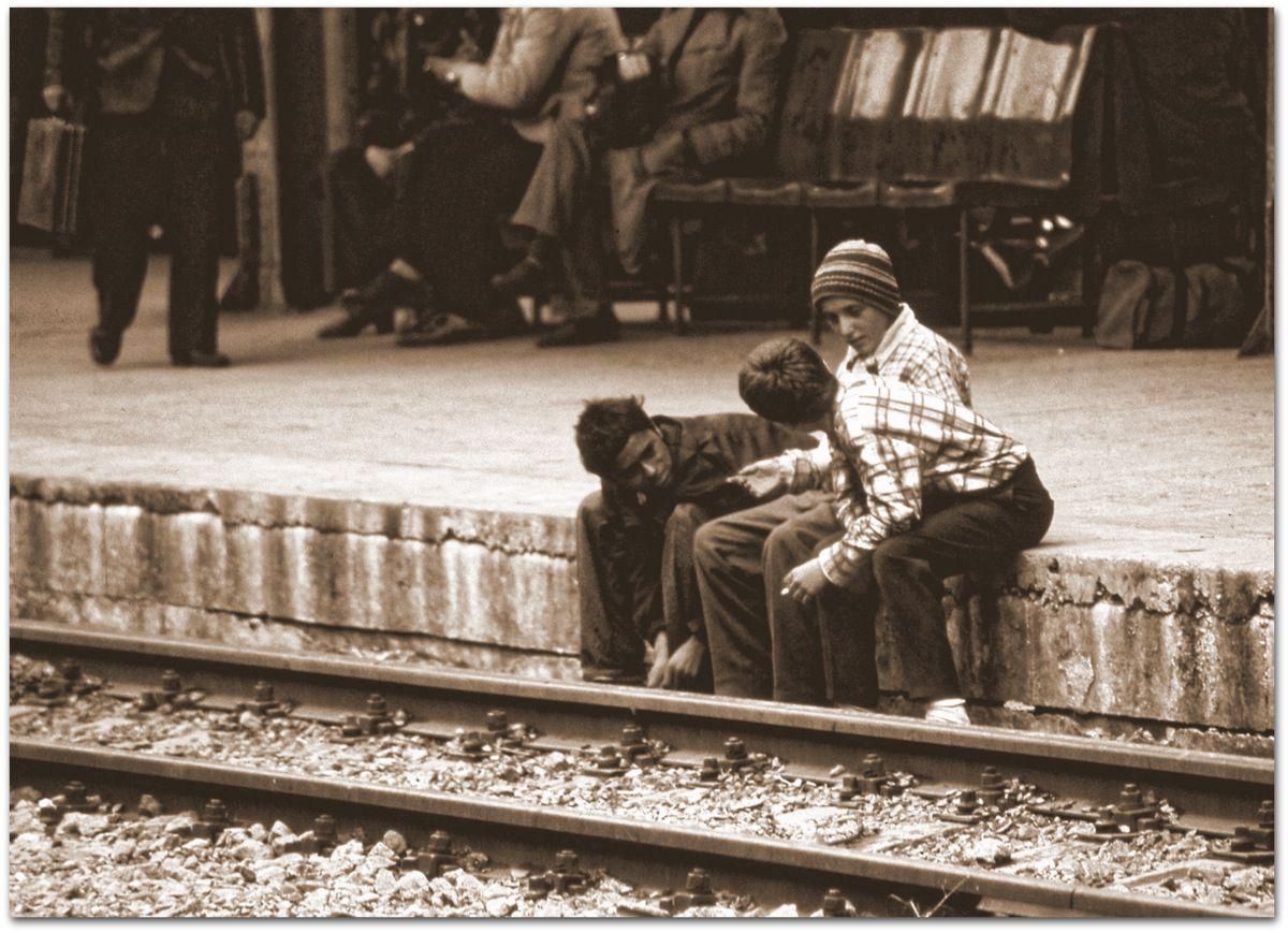 Les enfants abandonnés de Ceaucescu, à la Gara de Norte...