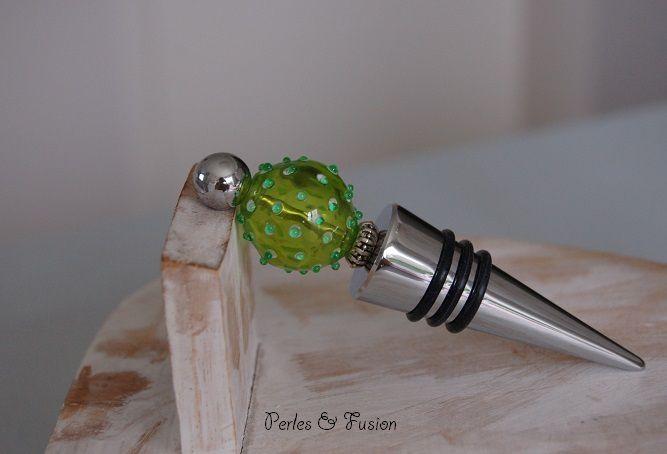 Des bouchons de bouteilles aux couverts à salade, découvrez les perles en verre filées au chalumeau dans l'univers des Arts de la Table...