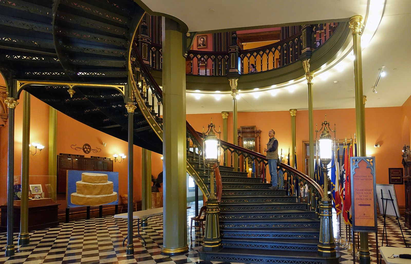 Baton Rouge Old State Capitol escalier