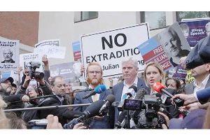 Demande de libération pour Julian Assange