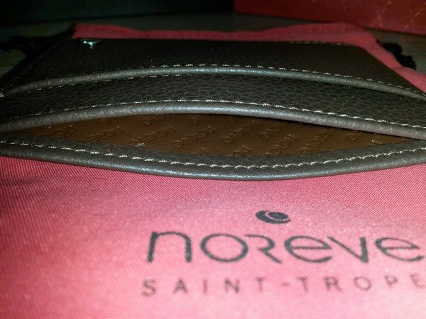 Test : porte-cartes à protection RFID NFC Noreve Saint-Tropez