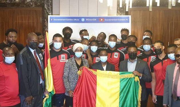AfroBasket 2021 : Amara Somparé remet le tricolore guinéen à l'équipe nationale