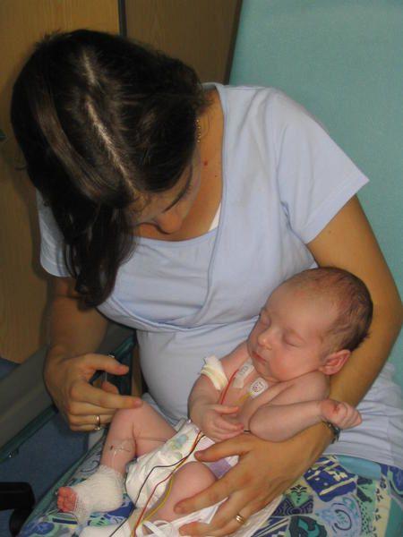 Bonjour, <br />Voici les photos de ma naissance et de mon premier mois &agrave; l'hopital.