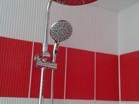 Montage d'un kit de douche, d'une paroie en verre trempé et remontage du sèche serviettes qui n'est pas électrique mais fonction avec le chauffage central