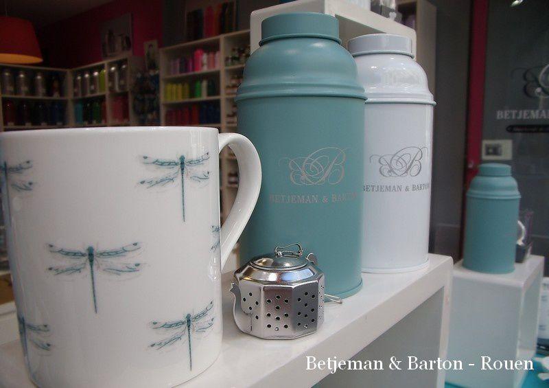 Des libellules sur les tasses !