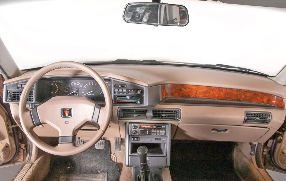 Après l'erreur faite au lancement de la SD1, Rover proposa dès le lancement de la 800 une présentation digne d'un modèle haut de gamme.