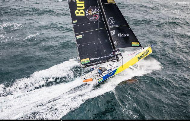 Vendée Globe 2020 – Louis Burton passe en troisième place après un problème technique