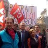 Rassemblement au Sénat contre la loi Macron