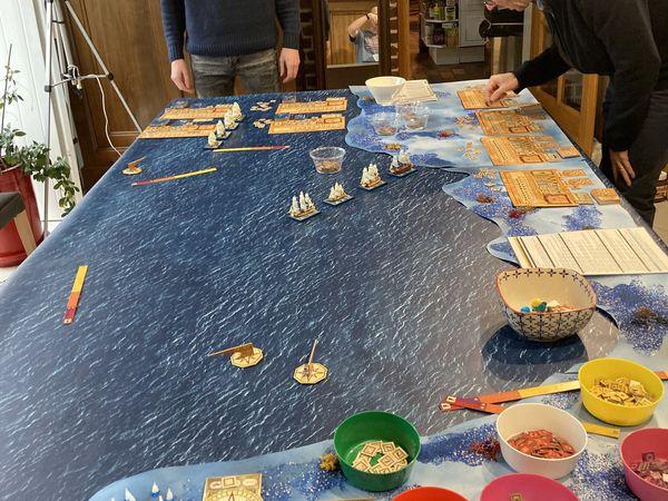 Les Français se positionnent en ligne de bataille dans la baie mais ne jouent pas pendant 2 mouvements anglais