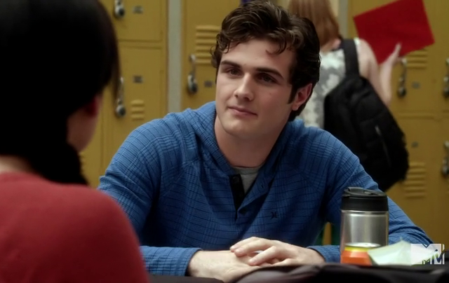 Critiques Séries : Awkward. Saison 2. Episode 4. Are You There God ?