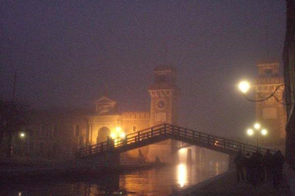 Promenade à Venise un soir d'hiver