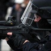 Les policiers qui visent les Gilets jaunes à la tête sont des salauds