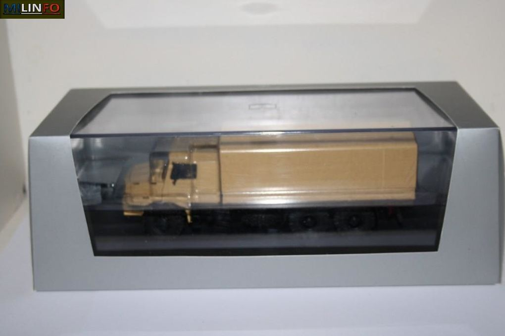 Le Ztros 6x6 de Cursor dans sa boîte... (4 photos Frédéric R.)