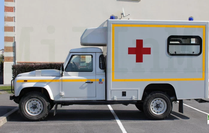 Land Rover Defender 130  Td4 militaire et pompiers (Alarme)