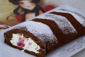 Biscuit roulé à la mousse de chocolat blanc de Delphine