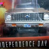 CHEVROLET C10 PICK-UP 1971 INDEPENDENCE DAY GREENLIGHT 1/64. - car-collector.net