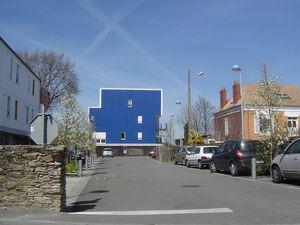 Trentemoult, caravane jaune & façade bleue, Clichés Elisabeth Poulain 2010