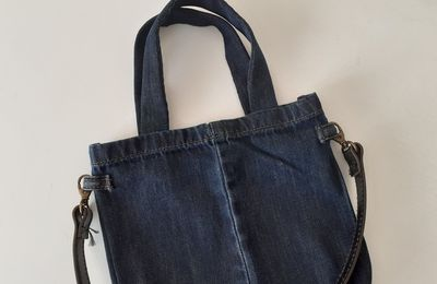 Couture : mini tote bag en jean