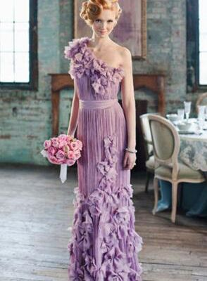 Why you should choose a Reception Gowns!
