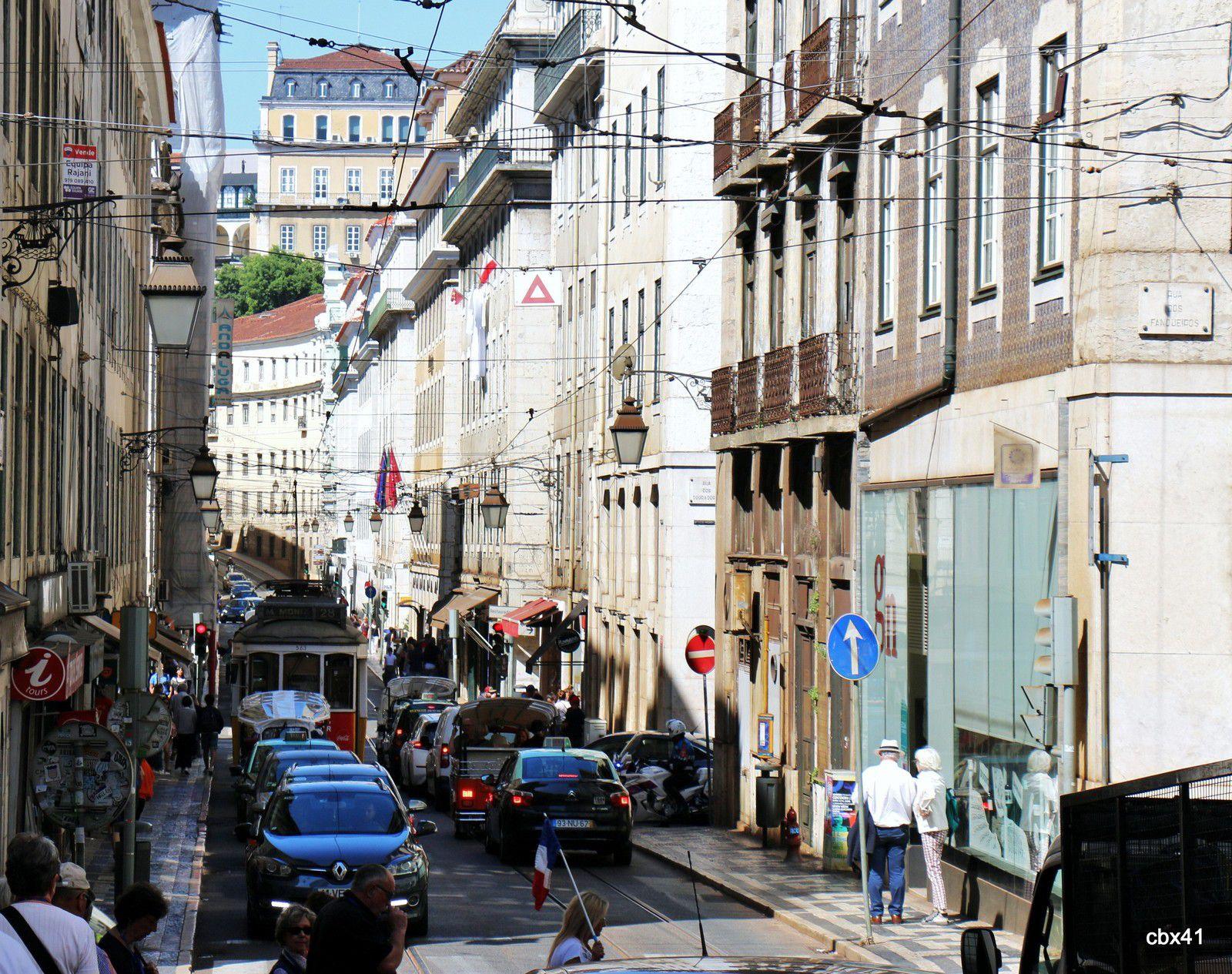 Circulation et petits commerces, Lisbonne (Portugal)