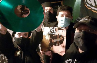 🎵 FRAU BLüCHER and THE DRüNKEN HORSES New album 'Smile!' in limited edition green vinyl