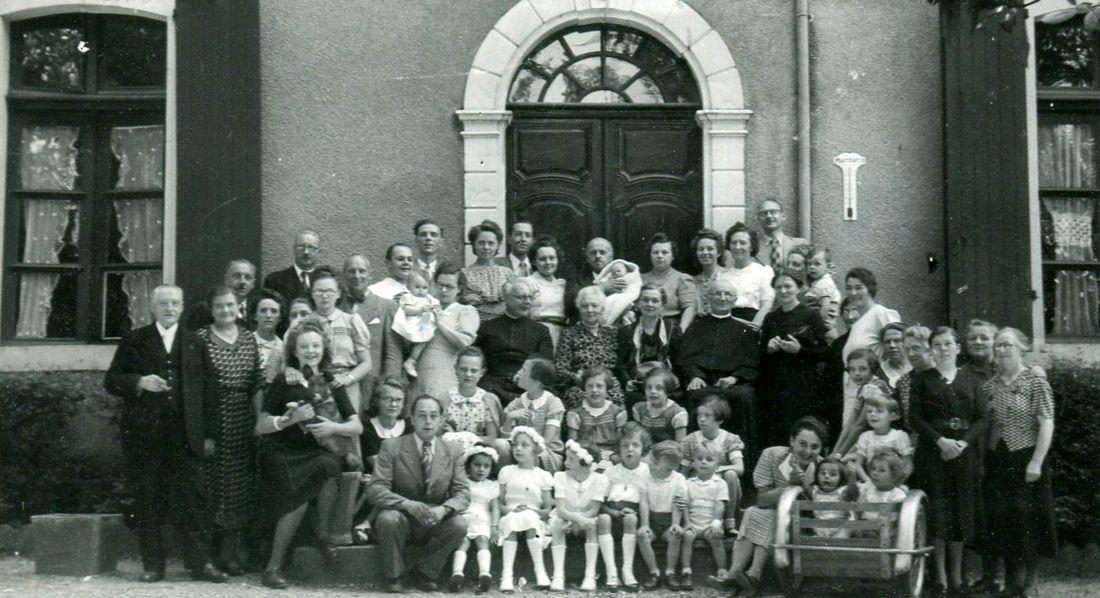 Juin 1940 : Evacuation à Salies-de-Béarn (Basses-Pyrénées) de la Famille Sion-Arnould de Tourcoing,  de M. et Mme Jean Sion-Lemaitre et la famille Jean Sion-Defretin d'Halluin.