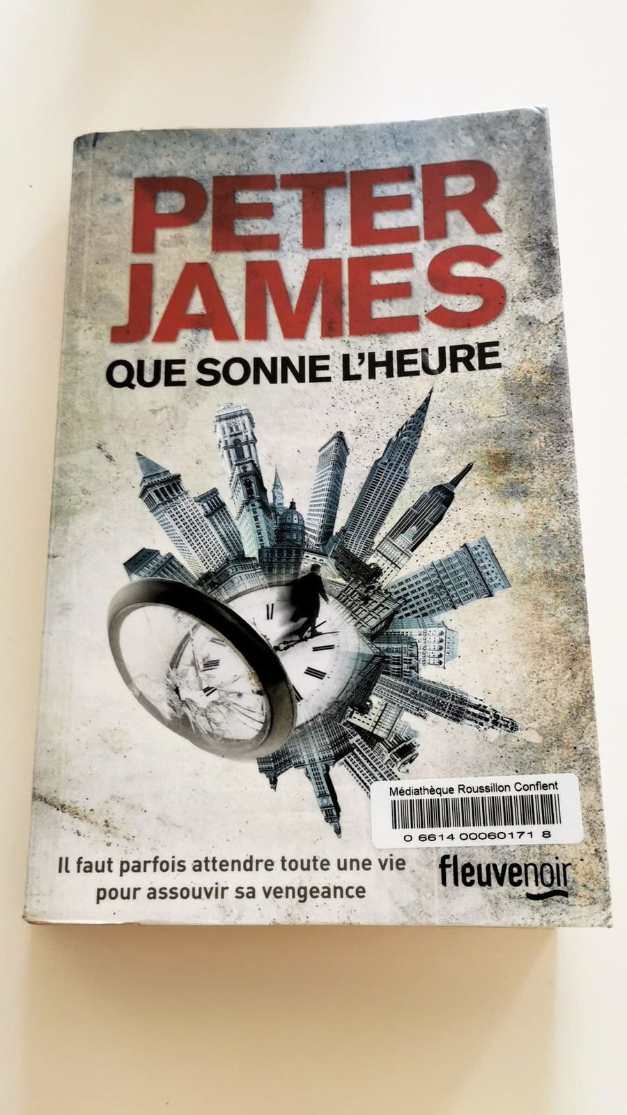 Livre : Que sonne l'heure de Peter James !!