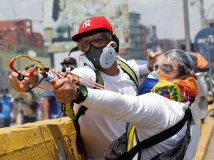 """VENEZUELA : les """" démocrates défenseurs de la liberté"""" dont parlent les médias de l'oligarchie les voilà !"""