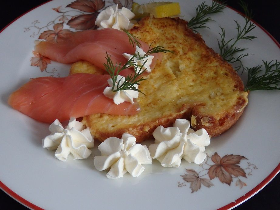 Brioche perdue au saumon fumé, chantilly raifort et vodka