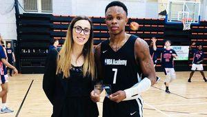 EYBL : Kurt-Curry Wegscheider brille avec la NBA Academy Africa