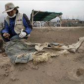 Des dépouilles de travailleurs chinois du XIXe siècle retrouvées au sommet d'une pyramide péruvienne! - Sciencesetavenir.fr