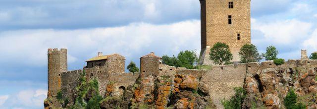Polignac (2) : le tour de la forteresse / Balade en Haute-Loire