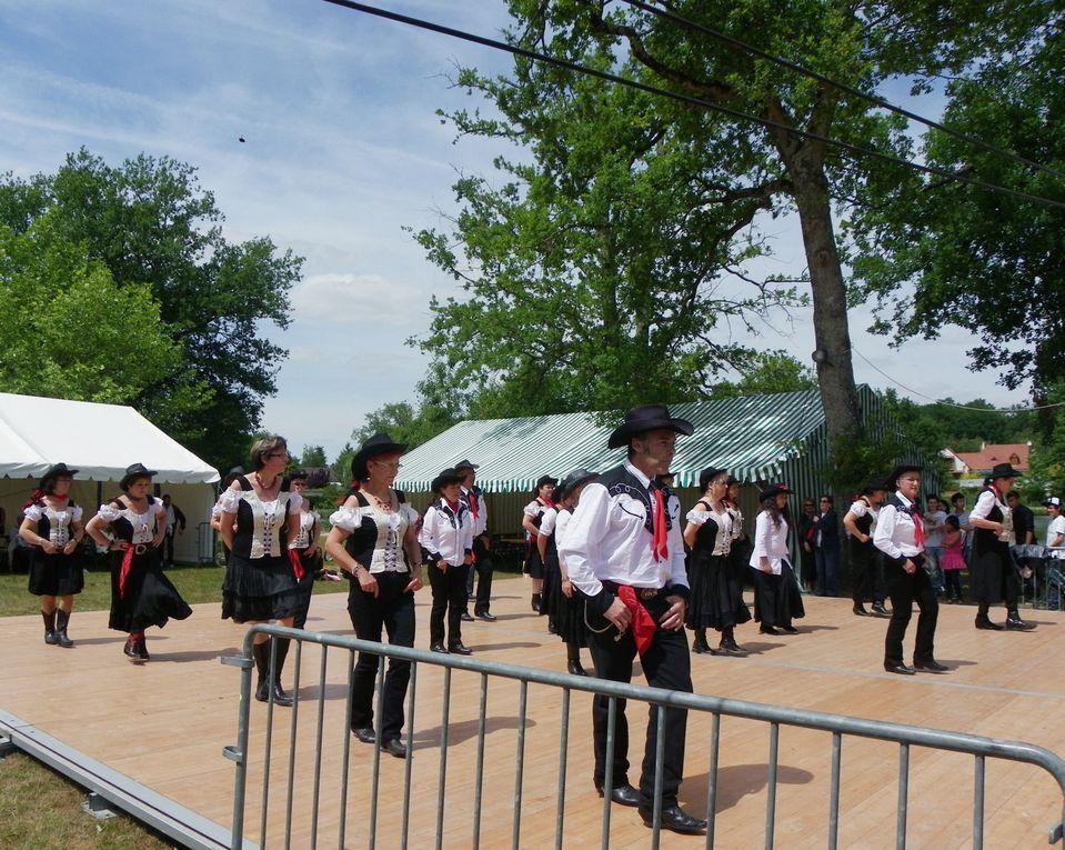 Très belle démo le 28 mai le Baugé Nogent sur Vernisson, bel après midi de Country. Merci à tous les participants, merci à Christian pour les photos