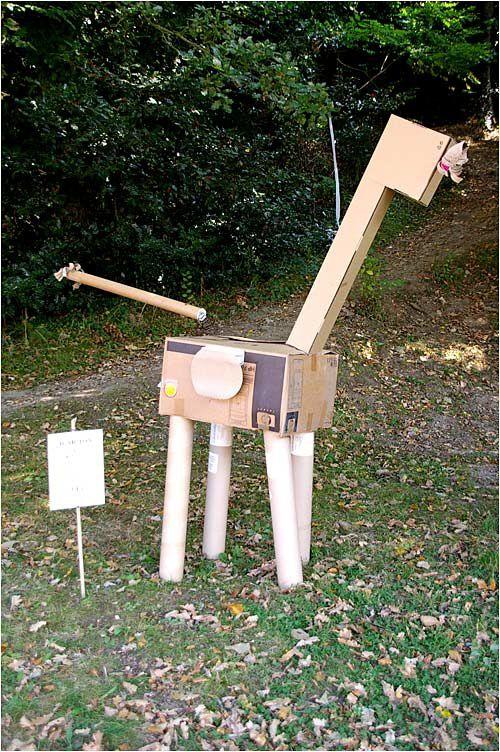 l'art moderne revu par les enfants des écoles de Dinard avec des matériaux de récupération.