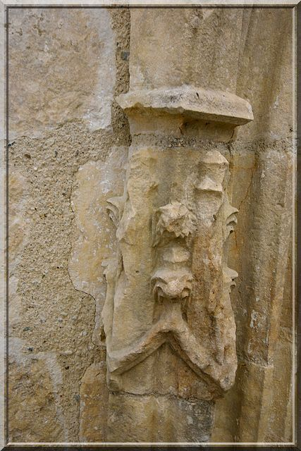 Diaporama église fortifiée de Xanton-Chassenon