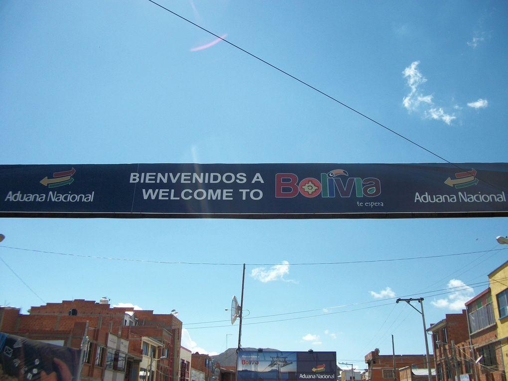 des dormeurs, passage frontière au Desaguadero, la feria andine, la place Murillo by night (Cathedrale, palais du gouvernement et palais du congrès) la gare.le téléphérique le plus haut du monde.