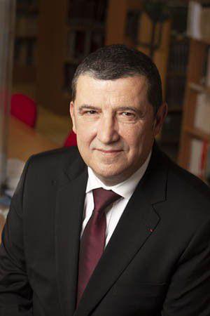 1) Thierry Lentz.