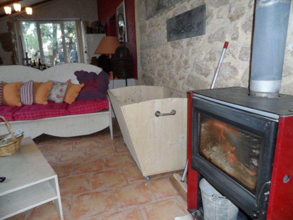 Pour cet excellent week-end, nous étions logé au gîte rural de Nathalie et Christian Aracil à Suze la Rousse. Les gîtes sont spacieux, pour 6 personnes et les propriétaires sont charmants.