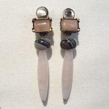 Boucles d'oreilles clip en pierres naturelles. Bijoux de créateur Paris.
