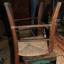 Coller un barreau de chaise tombé