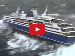 Vidéo - le paquebot Voyager en panne, en pleine tempête