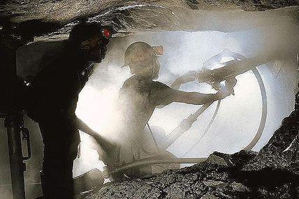 Madagascar / Le nouveau code minier profite à tous sauf aux Malgaches... (#Tany)
