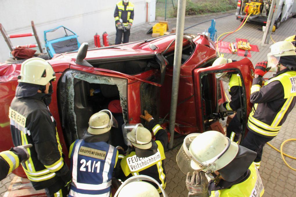 Album - Feuerwehr-THL-Übung Autounfallrettung